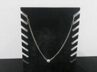 Viergeteilte Halskette Silberfarben mit Ringanhänger und eingearbeiteten Glasdiamanten